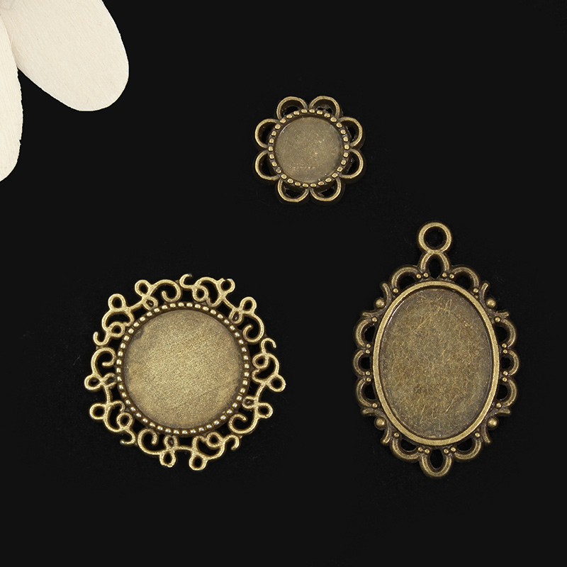 1 Set Vintage Pendant DIY Design Round Base For Necklace Key Chain