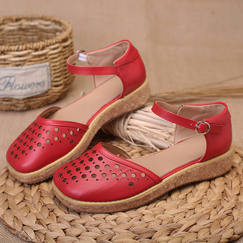 Women Hollow out Casual Soft Flat Sandals