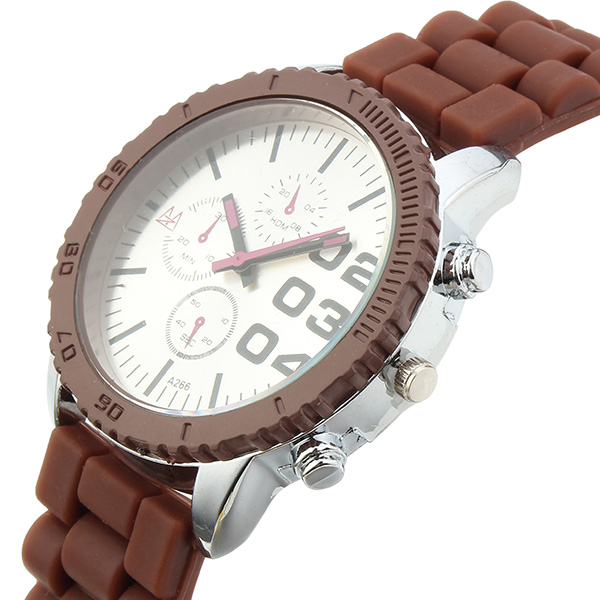 ZUIMEIER Fashion Sport Silicone Strap Quartz Analog Watch