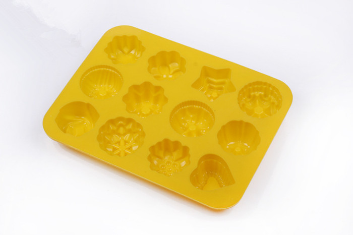 Multipurpose 12 Holes Flowers Silicone Cake Mold Ice Cream Mold Jelly Pudding Mold Chocolate Mold
