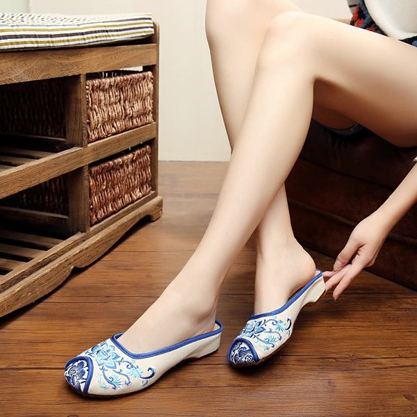 Big Size Mary Janes Chinese Style Flat Loafers Handmade Flower Printing Shoes
