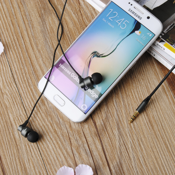 JBM JBMMJ-8600 MP3 Metal In-ear Deep Bass Headphone Headset Earphone for iPhone Xiaomi Huawei