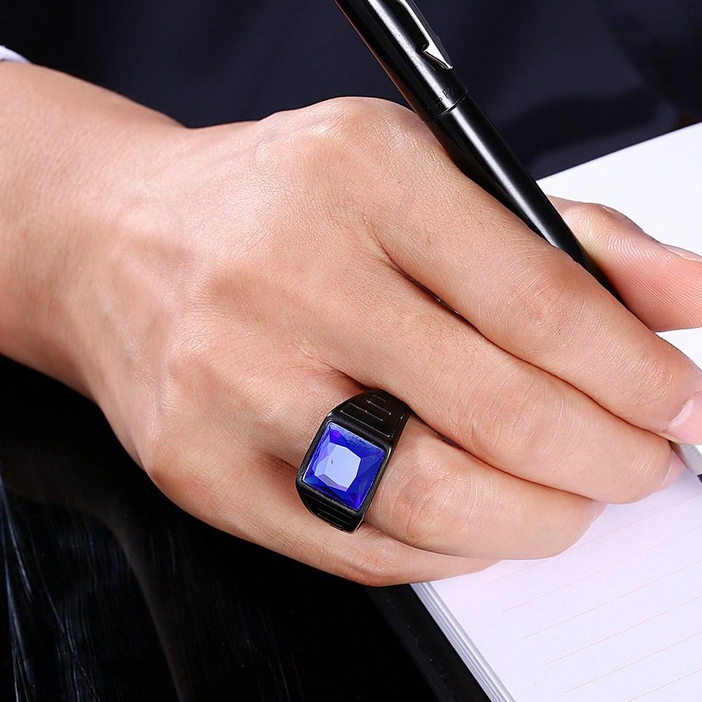 Купить Модное титановое стальное кольцо Blue Glass Gun Black Plated Ring продается оптом для мужчин