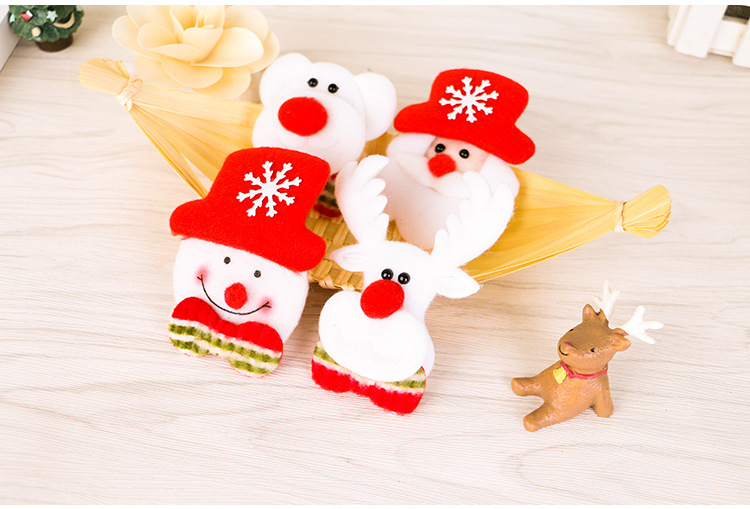 Christmas Cute LED Light Brooch Elk Snowman Bear Brooch Gift Shirt Collar
