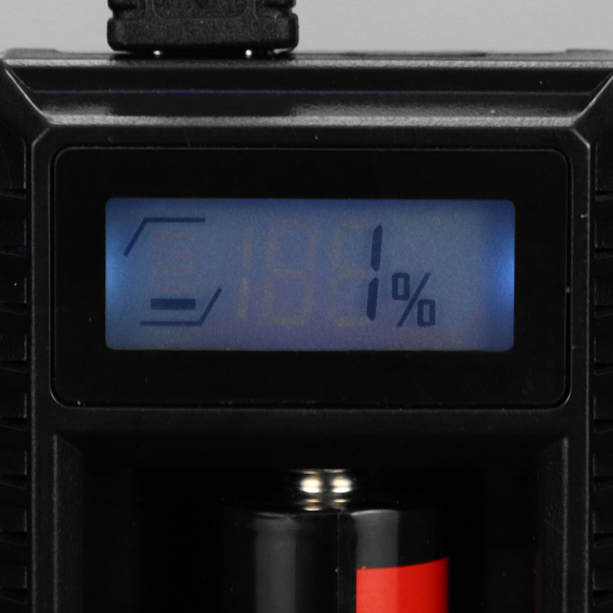 Nitecore UM10 Intelligent LCD Charger 18650 16340 18350 USB Vape Battery Charger