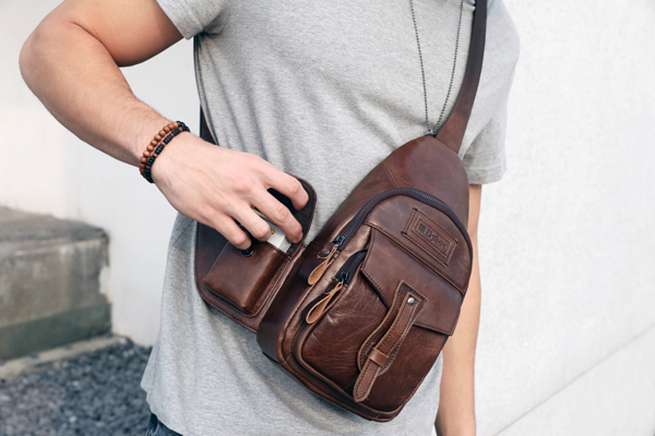 Ekphero Brand Men Leather Multi-pockets Sling Bag