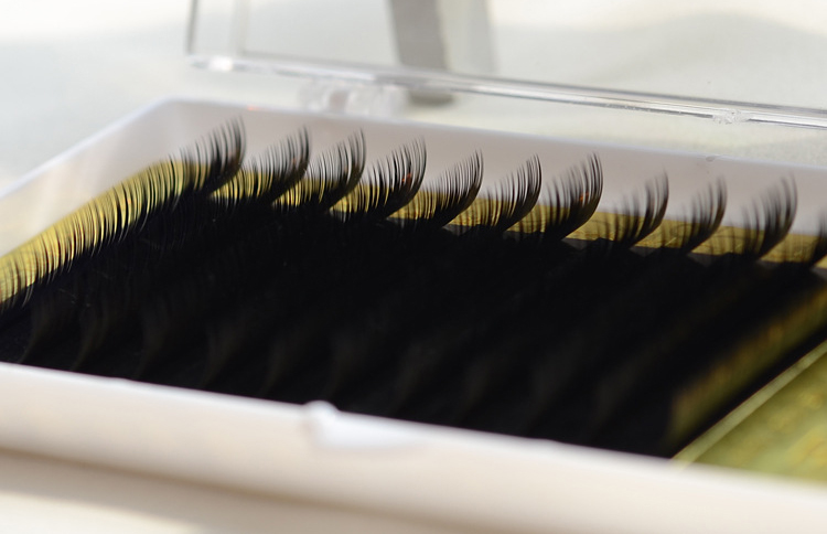 12 Rows 8-13mm Individual Eyelash Extension Synthetic Fiber