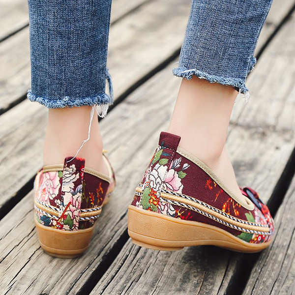US Size 5-11 Embroidery Loafers For Wome