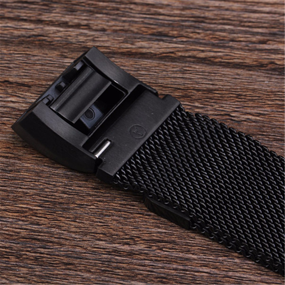 Replacement Magnetic Metal Wristband Strap For Fitbit Charge 2 Heart Rate Tracker Monitor
