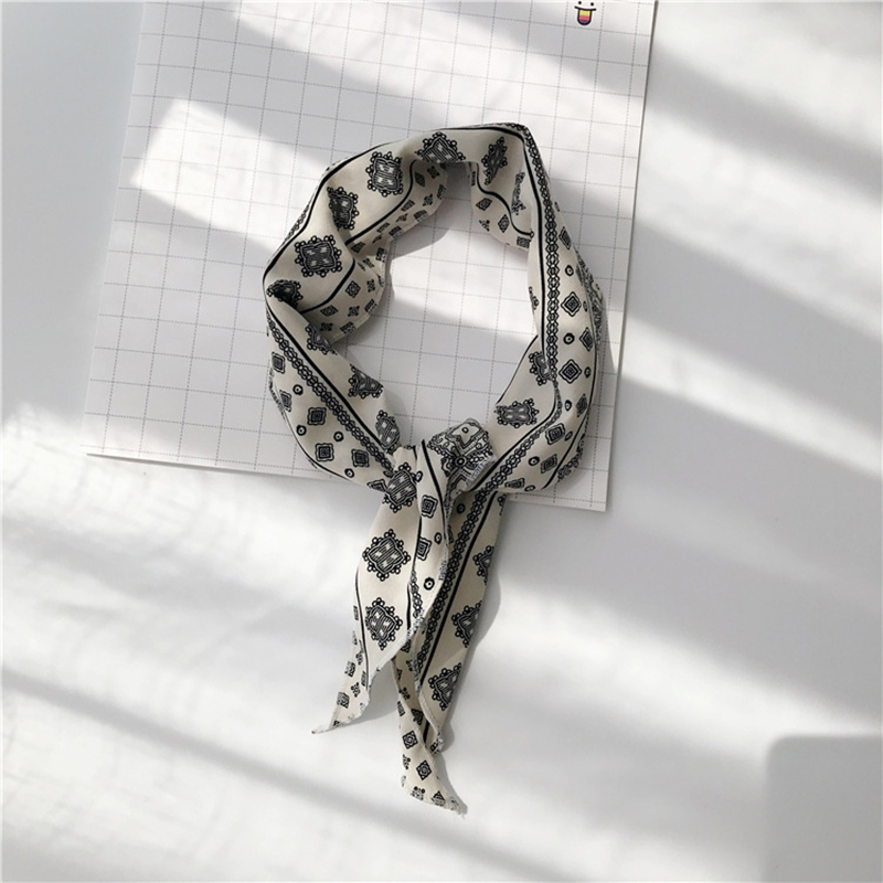 Women Casual Wave Point Triangle Scarf