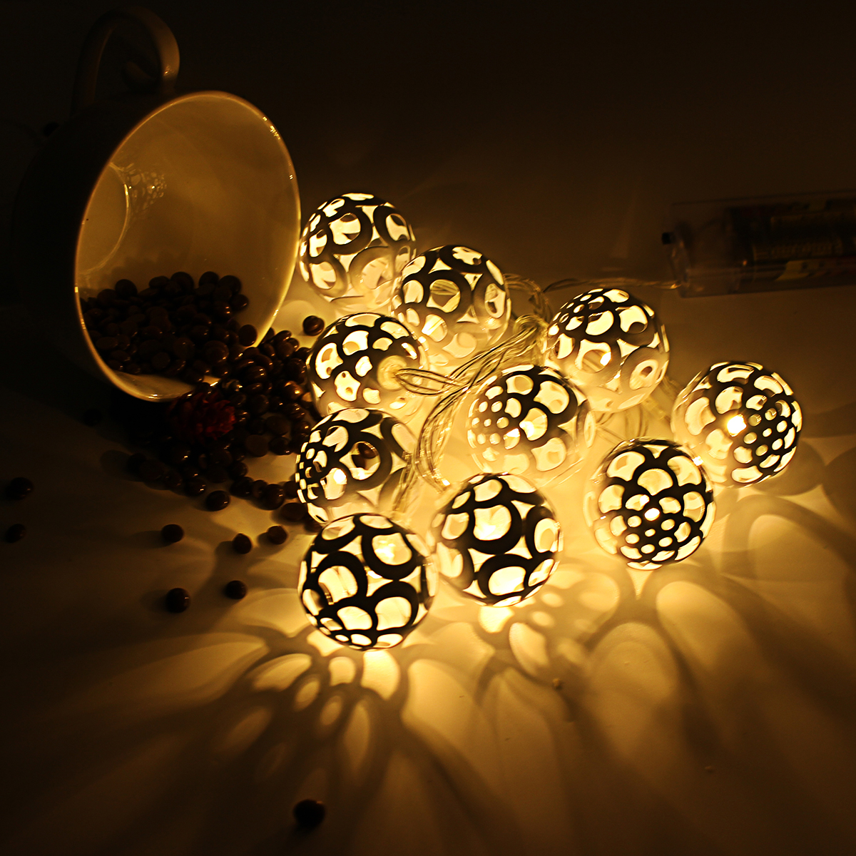 Battery Operated 10LEDs Warm White Fish Scale Ball Fairy String Light for Christmas