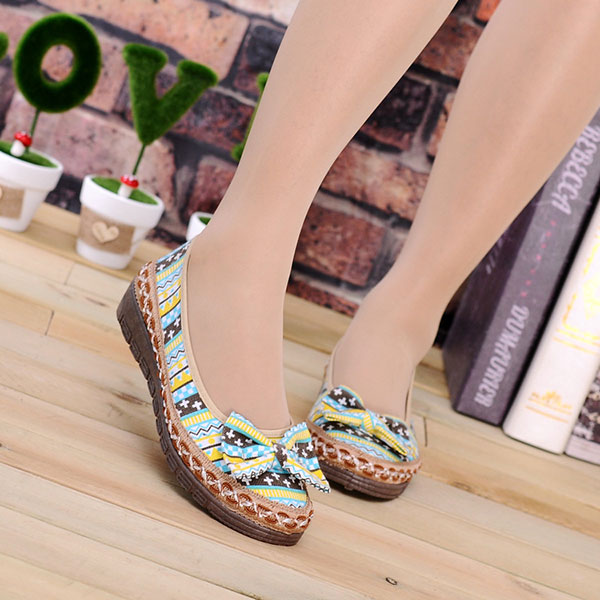 Women Flat Shoes Slip On Cloth Soft Outdoor Casual Loafers