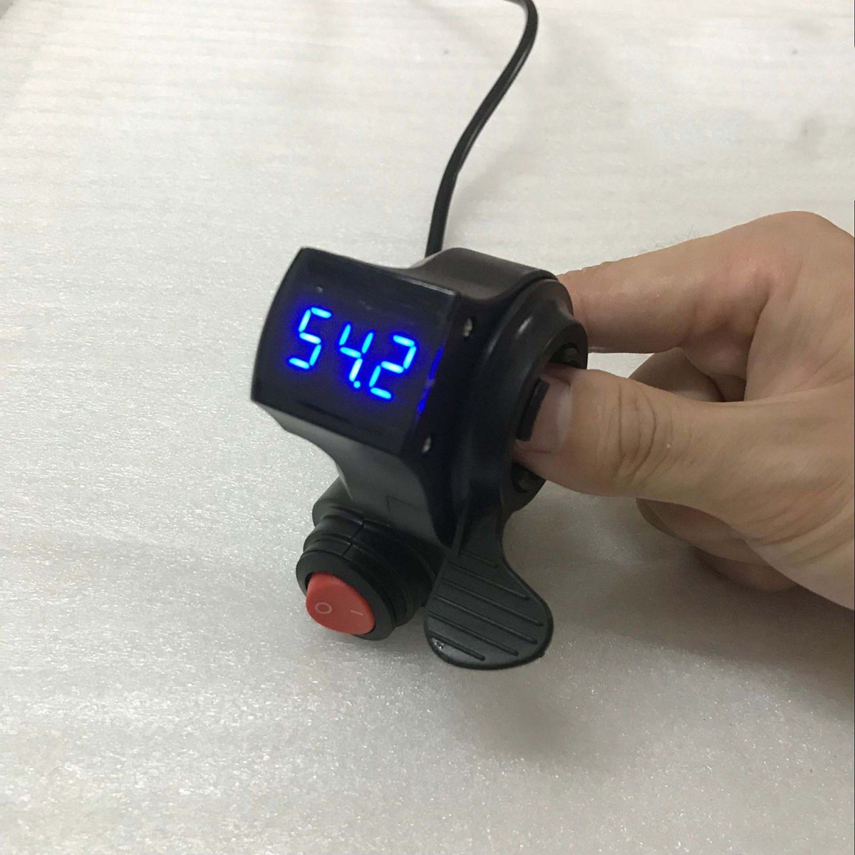 36V/48V/60V/72V Thumb Throttle w/ LCD Digital Battery Voltage Display For Ebike Scooter
