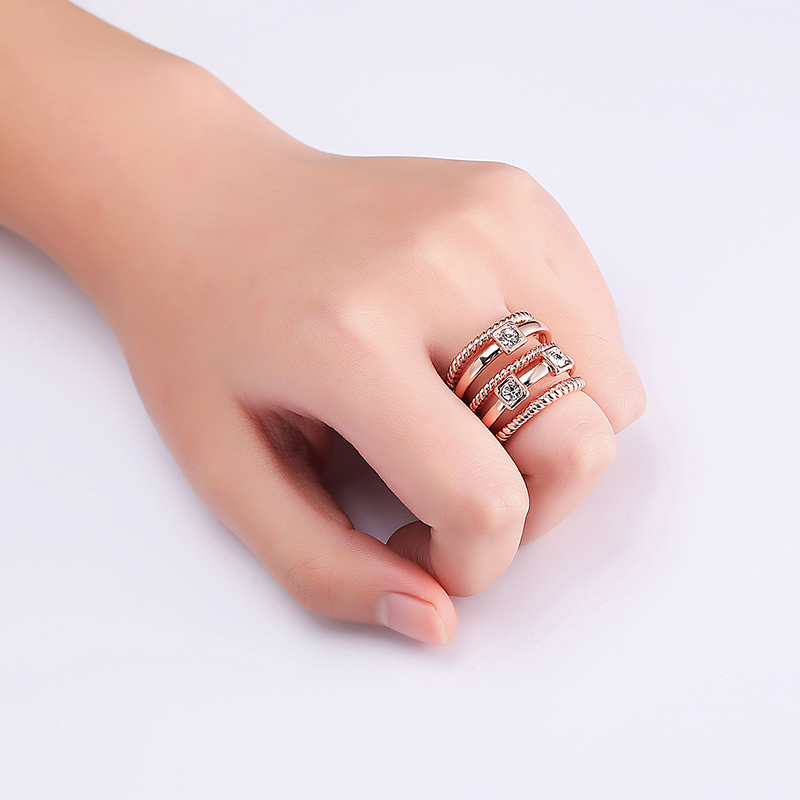 Multilayer Stylish Wide Ring Rhinestone Twist Line Rose Gold Elegant Women Jewelry