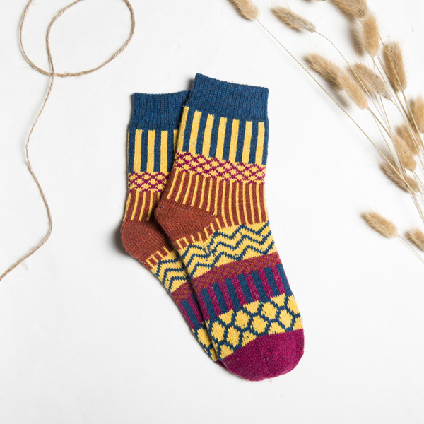 Women Stripe Wool Blend Socks Multi-Color Design Warm Casual Tube Thickening Sock