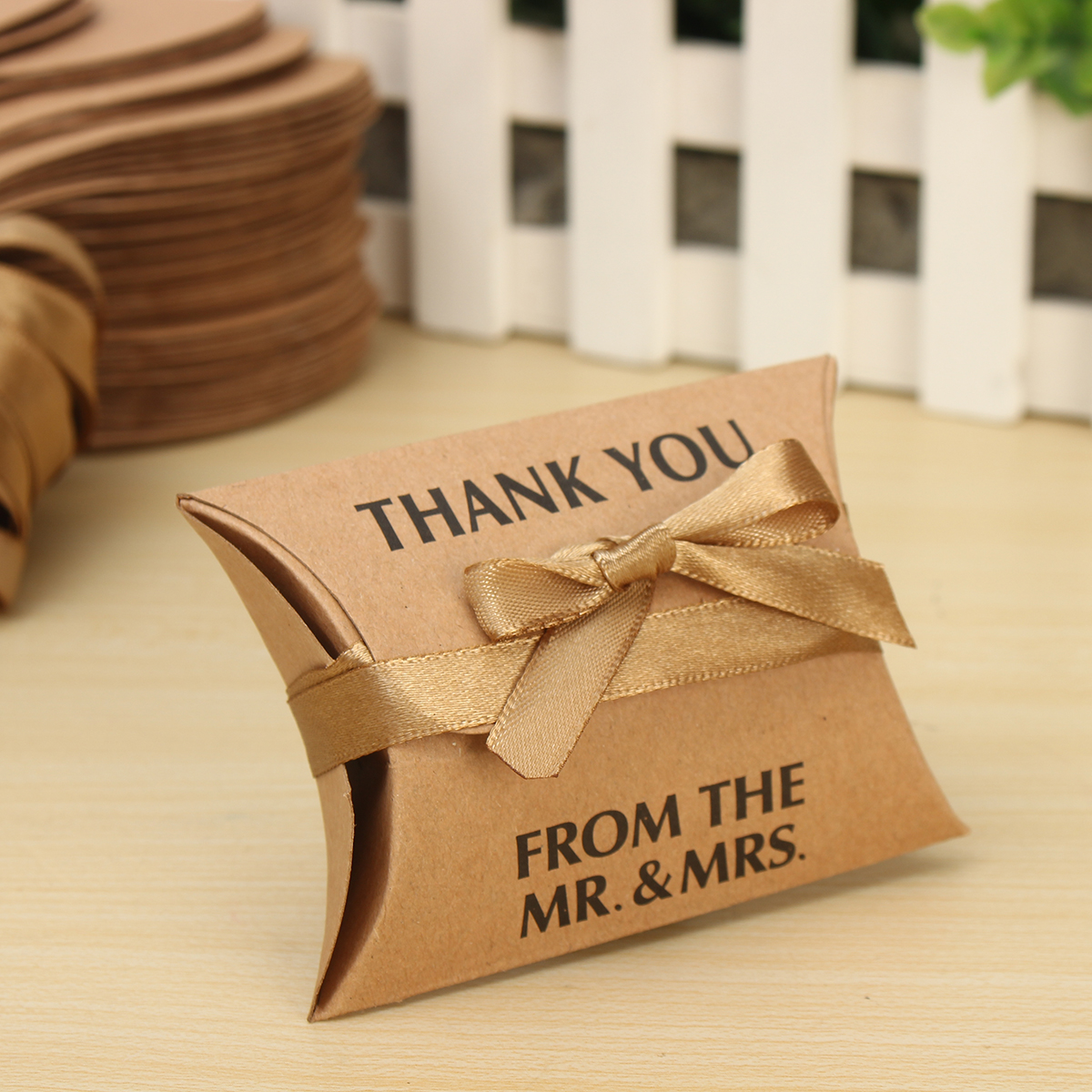 50pcs Creative Kraft Paper Vintage Gift Boxes Storage Bag with Ribbons
