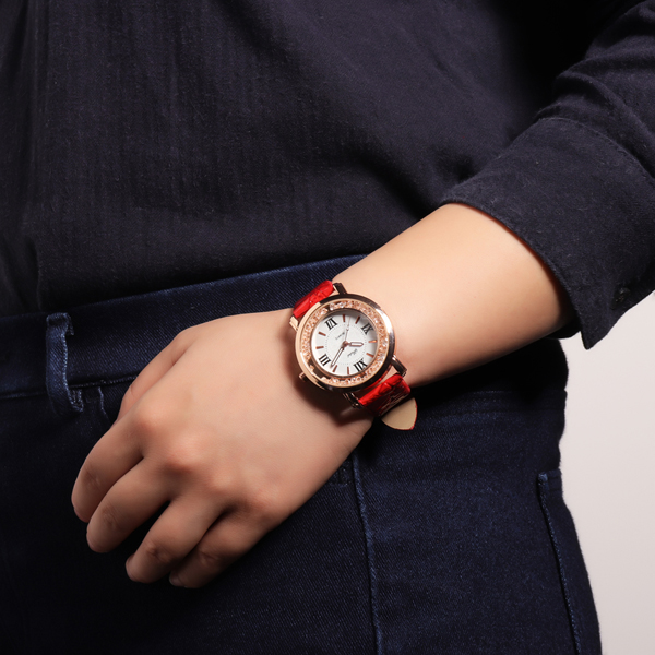 Fashion Women Leather Quartz Watch