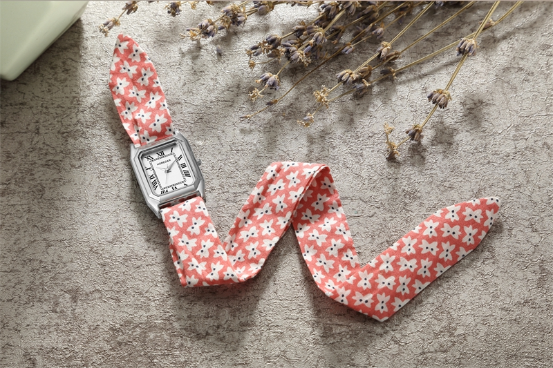 Retro Floral Strap Ladies Wrist Watch