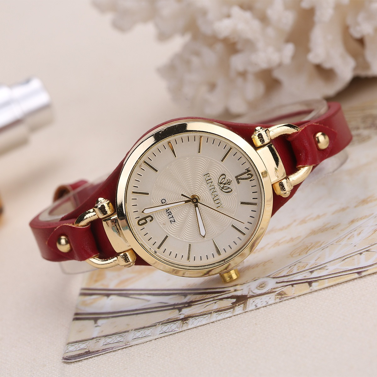 Fashion Colorful Leather Band Women Quartz Watch