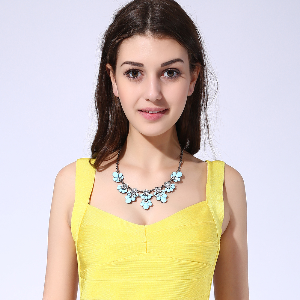 Cyan Stylish Collar Necklace Resin Drop Shape Flower Crystal Fresh Summer Item