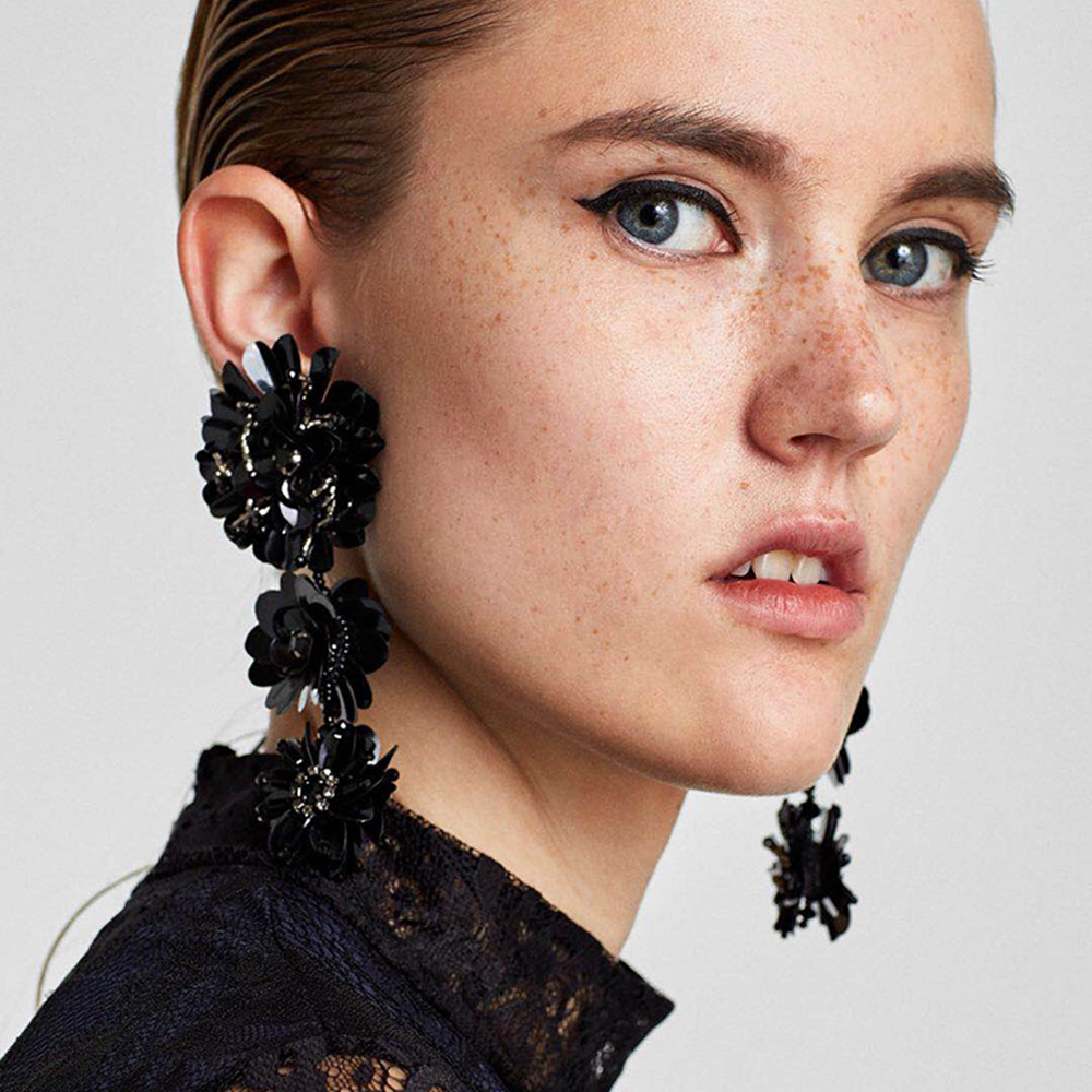 Trendy Hand-made Sequins Three-dimensional Flowers Earrings