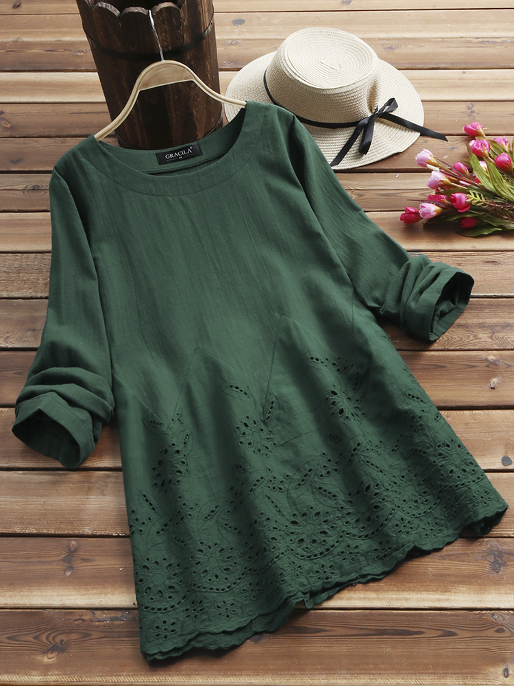 Women Embroidery Hollow O-neck Long Sleeve Vintage Blouse
