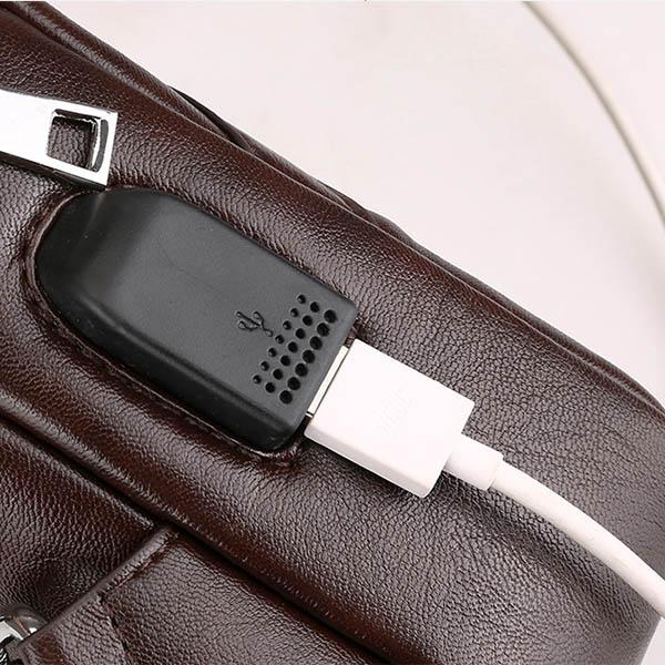 Men PU Leather USB Charging Port Crossbody Bag Retro Casual Travel Chest Bag Shoulder Bag