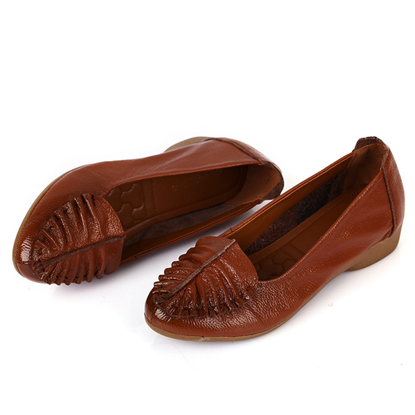 Leaf Pattern Soft Sole Slip On Casual Round Toe Loafers