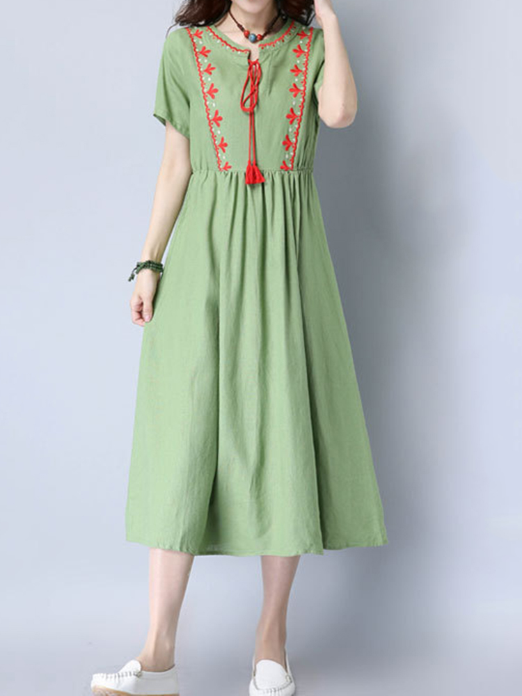 Folk Style Embroidery Pleated Short Sleeve Dresses