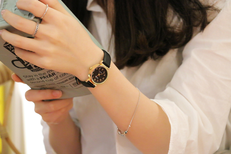 Retro Gold Small Dial Women Watches