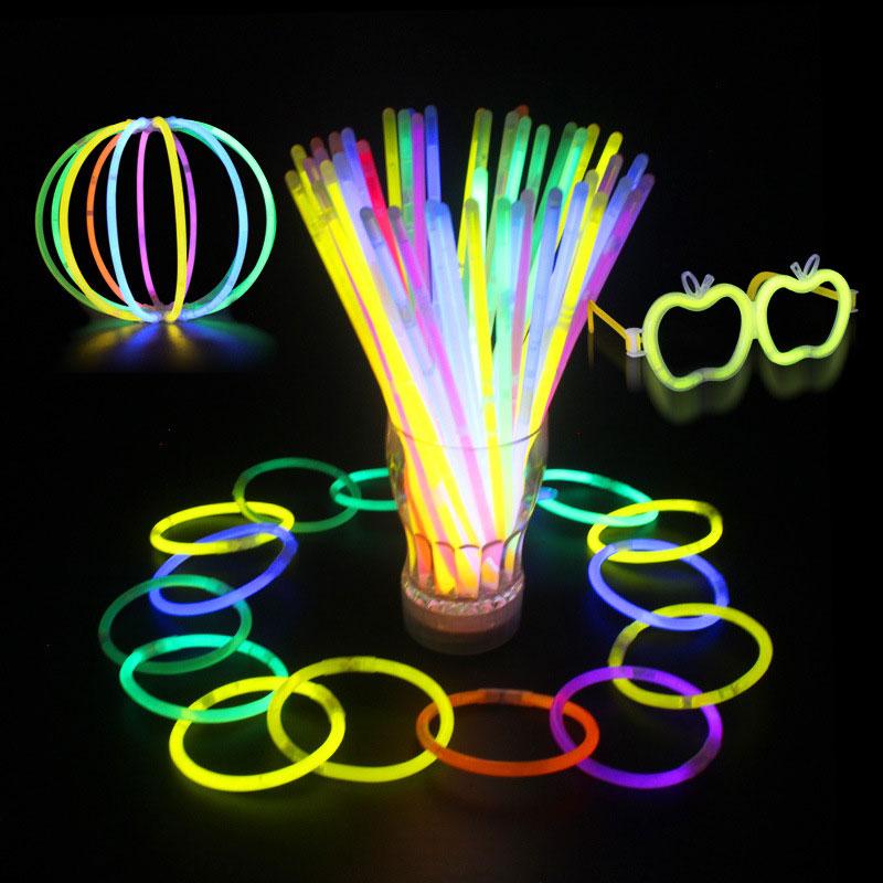 Image of 100&nbspstücke&nbspMulti&nbspFarbe&nbspRitium&nbspLeuchtstäbe Dark Party Lichter Armbänder Leuchtstäbe Hochzeit Dekoration Blinkende Led Spielzeug Licht Sticks
