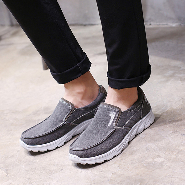 Large Size Comfy Casual Slip On Sneakers for Men