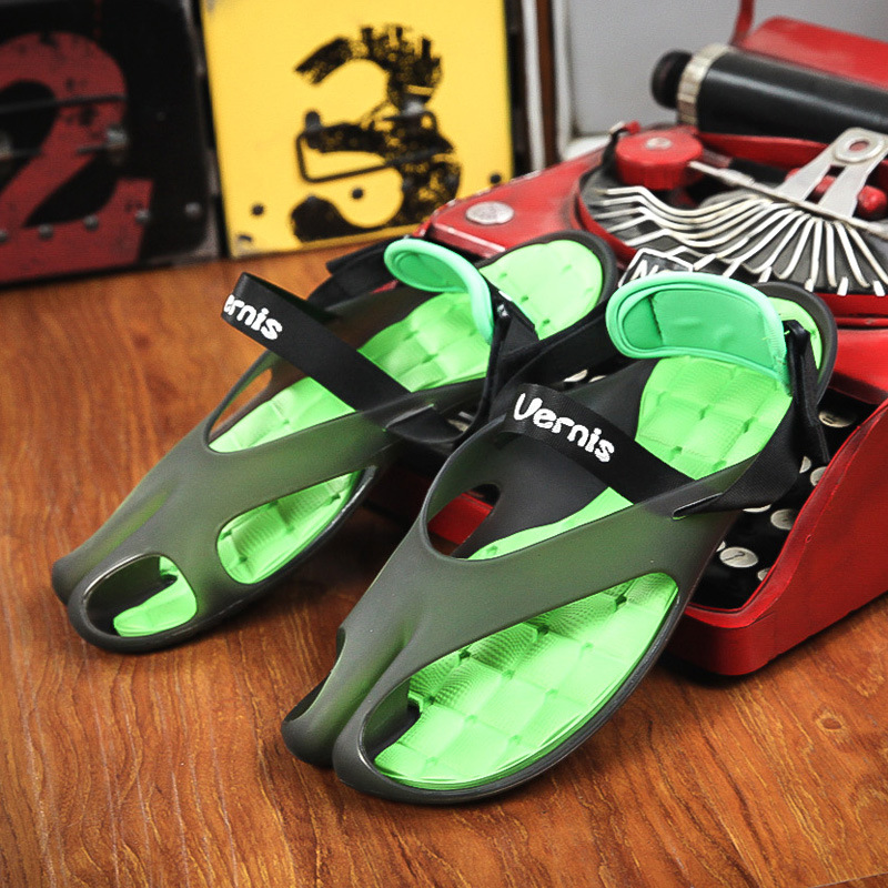 Men Sandals Slipper Comfortable Breathable Candy Jelly Color Slip Beach Sandals Summer
