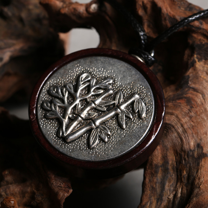 Black Sandalwood Bamboo Leaves Round Pendant Necklace