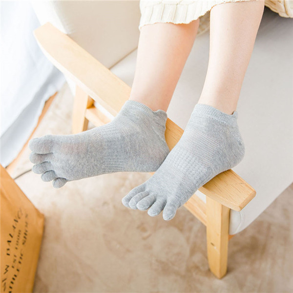 Women Cotton Absorb Sweat Breathable Sport Socks