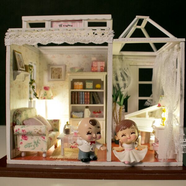 Hoomeda DIY Wood Dollhouse Miniature With LED+Furniture+Cover Melodious Tweedle