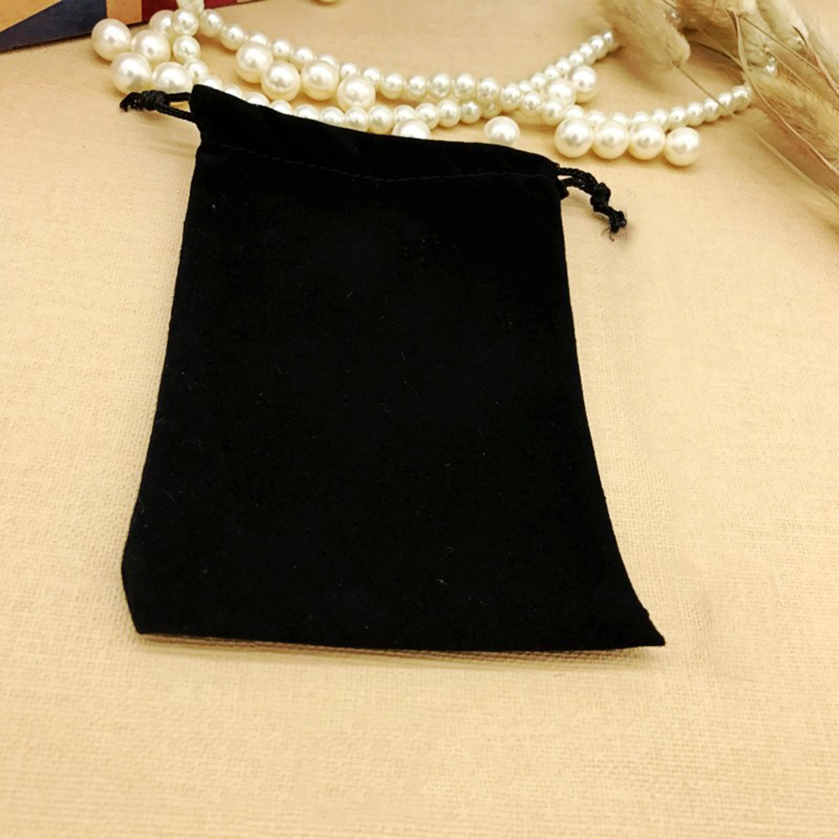 Multi-used Storage Bags Polyhedral Dices Black Velvet Jewelry Pouches for Electronic Gadgets Gaming Dice