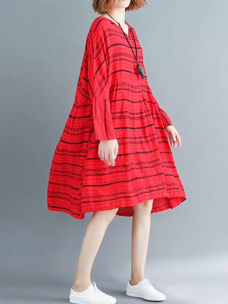 Stripe Pleated Hem O-Neck Long Sleeve Loose Dress