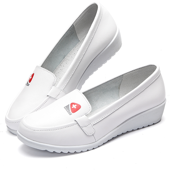 Casual Slip On White Round Toe Soft Sole Flat Shoes For Women