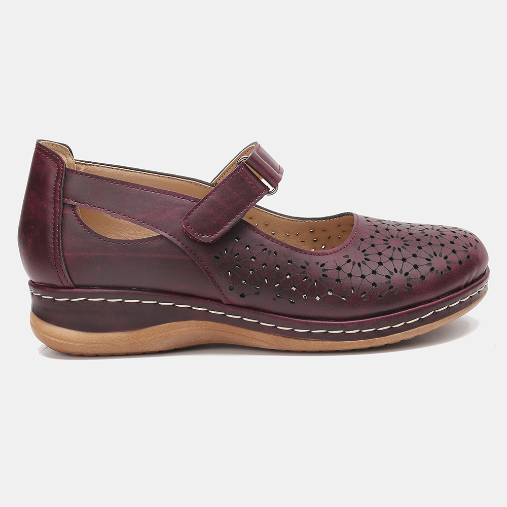 LOSTISY Women Hollow Out Breathable Comfy Casual Flats