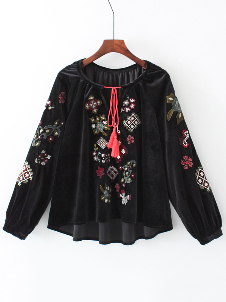 Women Embroidery O-neck Long Sleeve Black Velvet T Shirt