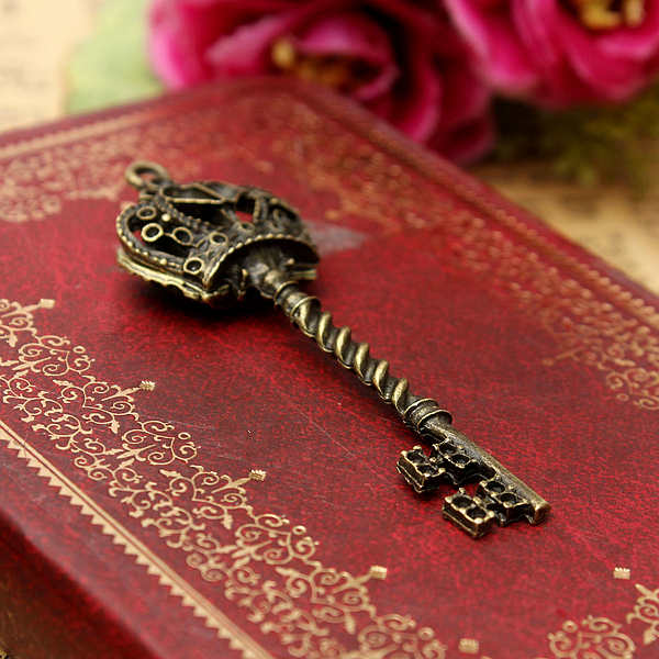 Retro Metal Bronze Crown Key Pendant DIY Accessaries