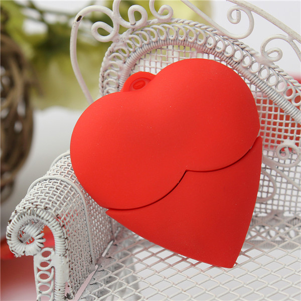 8GB Red Heart Mode USB 2.0 Flash Drive Thumb Storage Pen Memory U Disk
