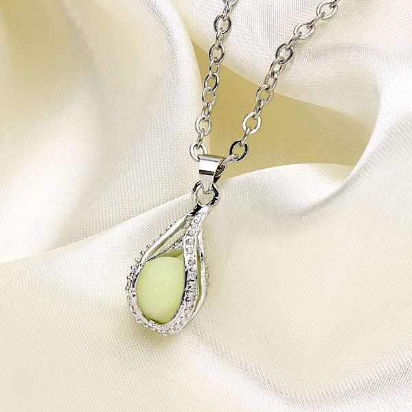 Vintage Hollow Luminous Bead Pendant Silver Plated Chain Necklace