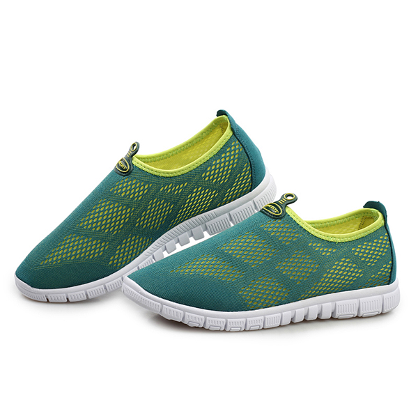 Unisex Breathable Mesh Sneakers Couples Hallow Out Men Outdoor Shoes