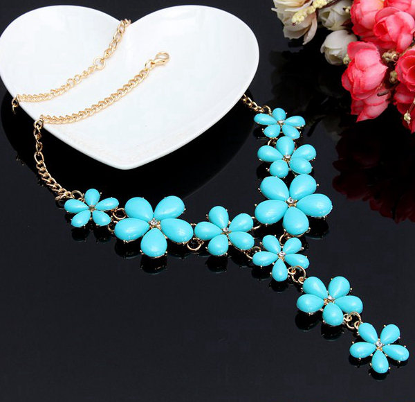 Gold Plated Chain Resin Flower Statement Choker Necklace For Women