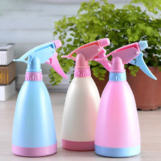 450ml Garden Candy Color Hand Pressure Watering Can Plastic Sprinkling Can