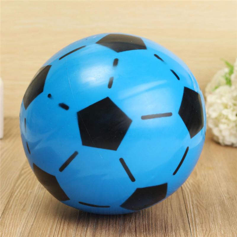 15cm color al azar de fútbol de fútbol inflable juguete al aire libre de interior del pvc para el regalo de los niños del juego de los niños