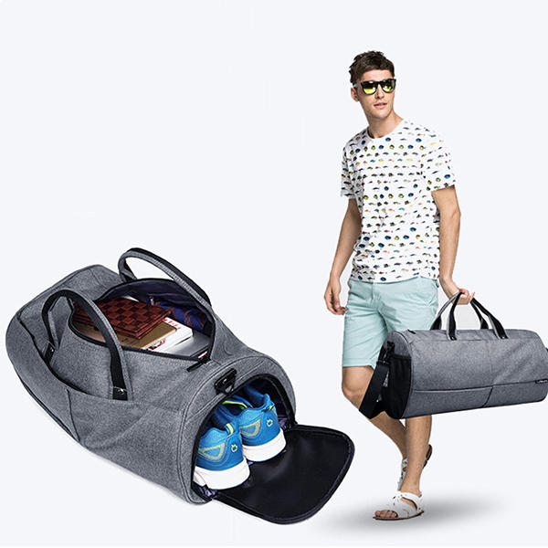 Sac imperméable à l'eau de gymnastique de grande capacité Outdooors multifonctionnel sac à bandoulière de forme physique