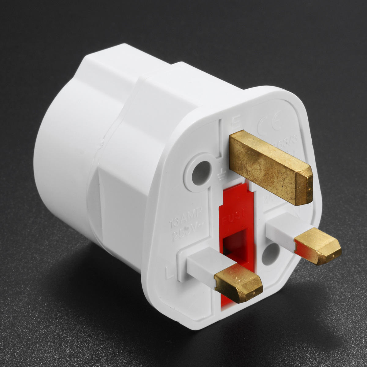 European 2 Pin to UK Adaptado de enchufe de 3 clavijas EU Schuko Travel Mains Adapter Max 3250W